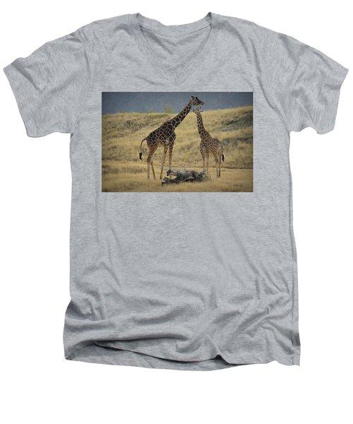 Desert Palm Giraffe Men's V-Neck T-Shirt