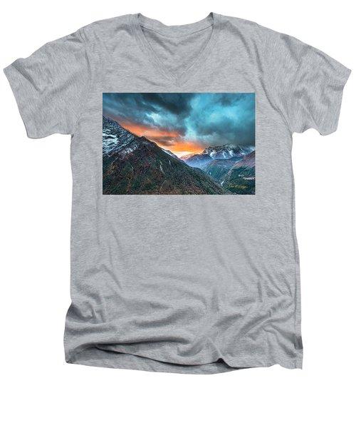 Dingboche Sunrise Men's V-Neck T-Shirt