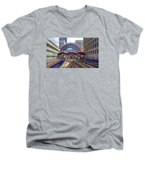 Dlr Canary Wharf And Approaching Train Men's V-Neck T-Shirt