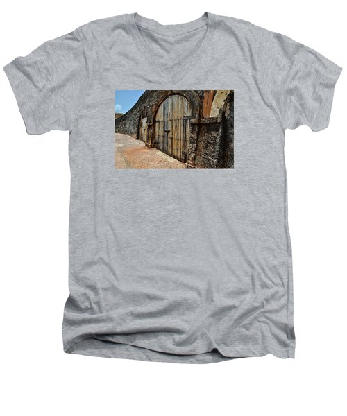 Dos Puertas Men's V-Neck T-Shirt