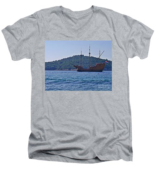 Dubrovniks Game Of Thrones  Men's V-Neck T-Shirt