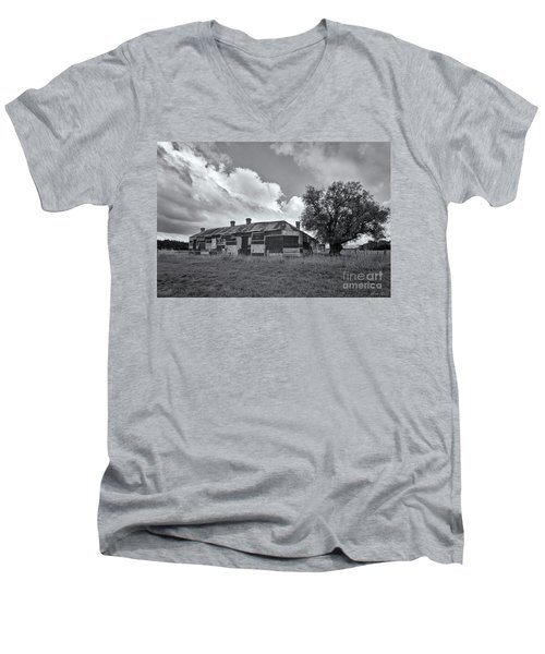 Men's V-Neck T-Shirt featuring the photograph Duckholes Hotel by Linda Lees
