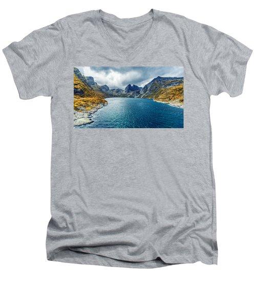 Dupfjorden Men's V-Neck T-Shirt