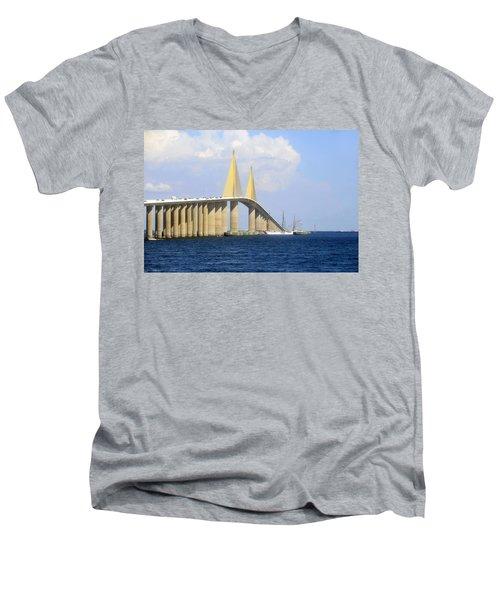 Eagle Under The Sunshine Men's V-Neck T-Shirt