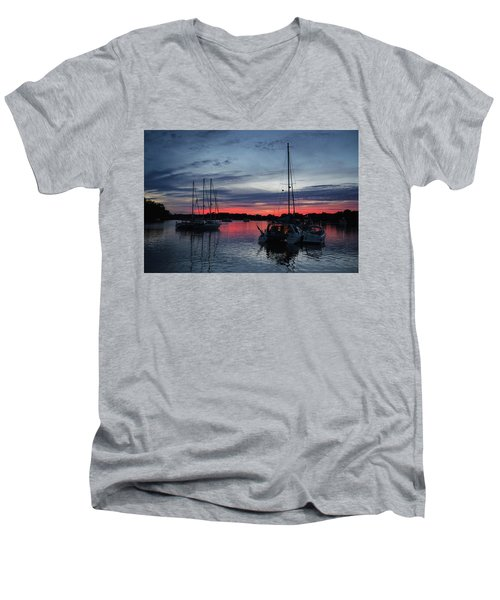 Eagles Cove Sunset Men's V-Neck T-Shirt