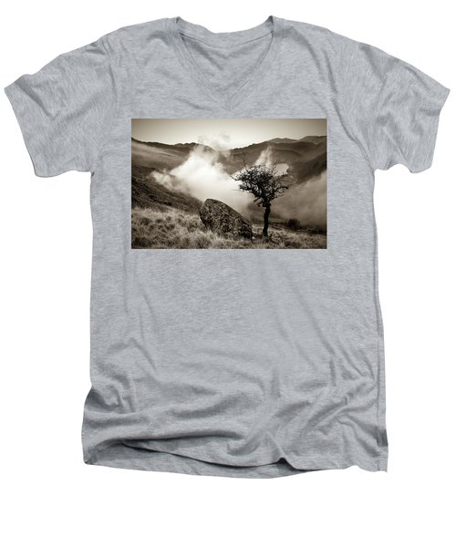 Early Mist, Nant Gwynant Men's V-Neck T-Shirt