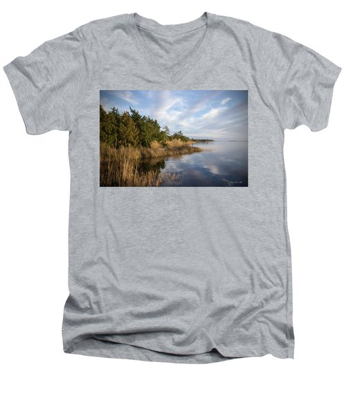 East Bank Looking South At Sunset Men's V-Neck T-Shirt by Phil Mancuso
