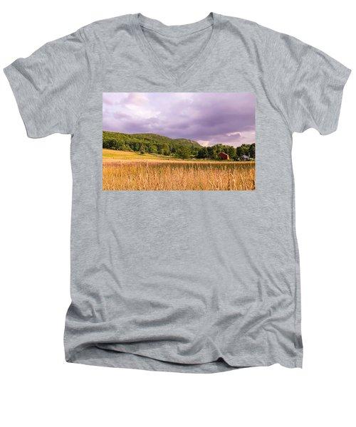 East Street View Men's V-Neck T-Shirt