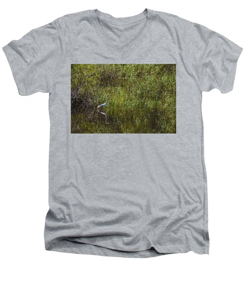 Egret Hunting In Reeds Men's V-Neck T-Shirt