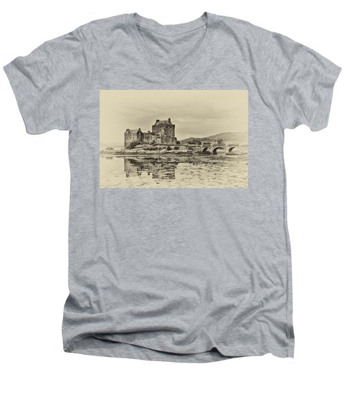 Eilean Donan Castle Men's V-Neck T-Shirt