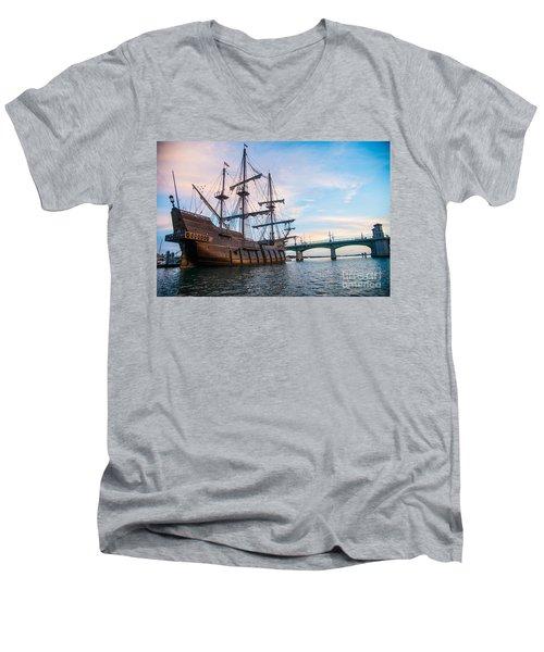 El Galeon Men's V-Neck T-Shirt