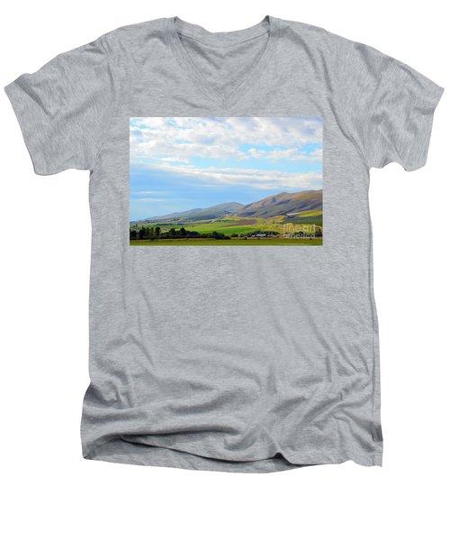 Ellensburg - Manastash Ridge Men's V-Neck T-Shirt