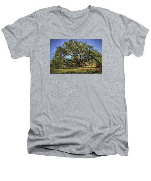 Emancipation Oak Tree Men's V-Neck T-Shirt