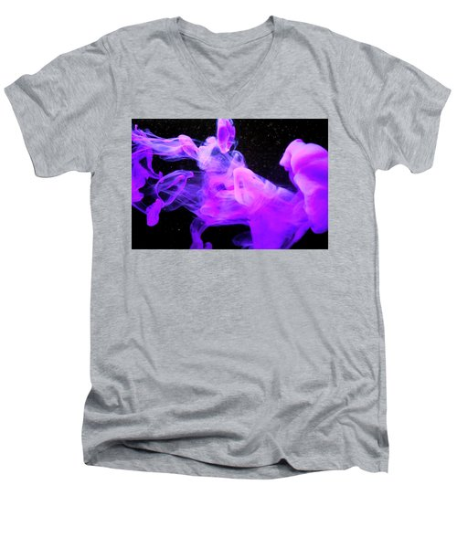 Emptiness In Harmony - Fine Art Photography - Paint Pouring Men's V-Neck T-Shirt