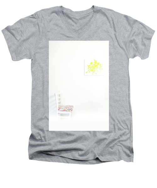 Empty Chair With Yellow Roses Men's V-Neck T-Shirt