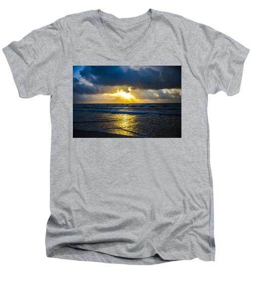 End Of The Season Padre 31 Men's V-Neck T-Shirt