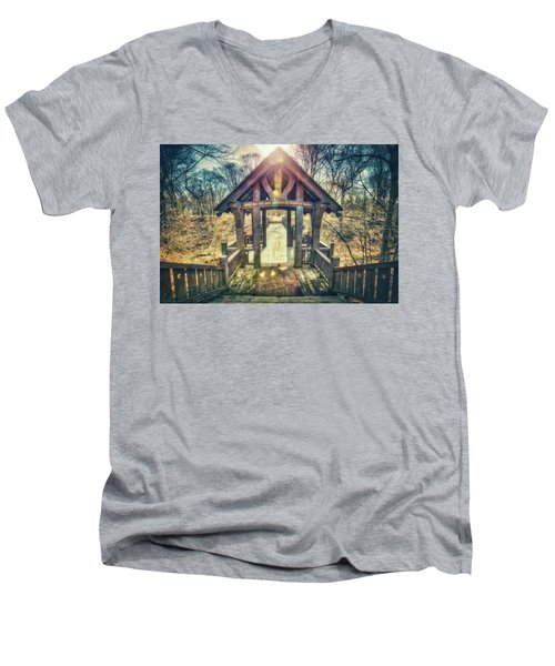 Men's V-Neck T-Shirt featuring the photograph Entrance To 7 Bridges - Grant Park - South Milwaukee  by Jennifer Rondinelli Reilly - Fine Art Photography