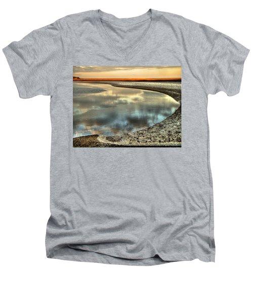 Estuary Men's V-Neck T-Shirt