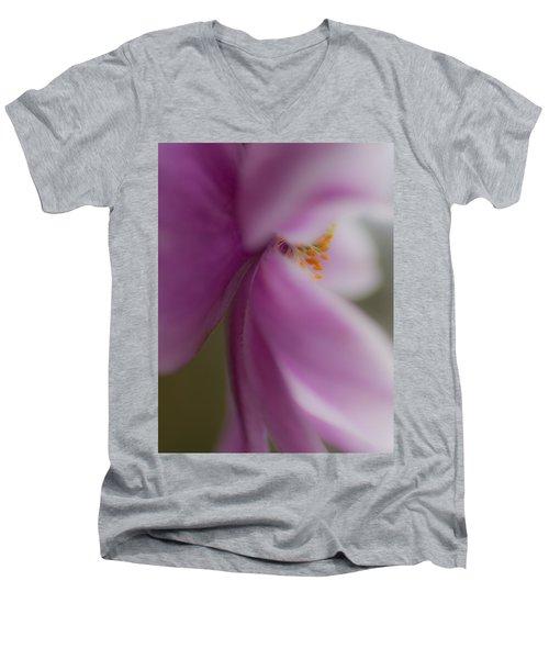 Eyelashes Men's V-Neck T-Shirt