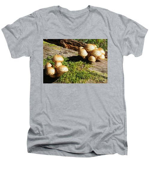 Fabulus Fungi Men's V-Neck T-Shirt