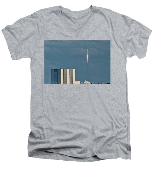 Falcon 9 Launch Men's V-Neck T-Shirt