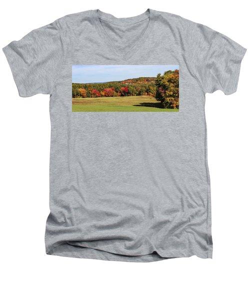 Fall Colors In Easthampton Men's V-Neck T-Shirt