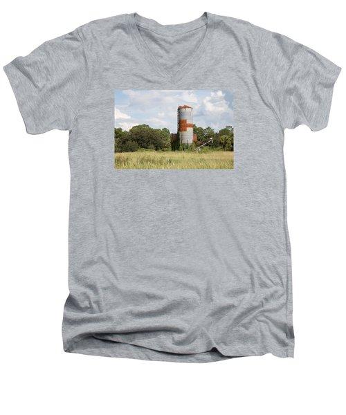 Farm Life - Retired Silo Men's V-Neck T-Shirt