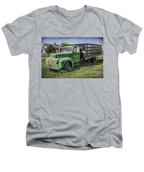 Farm Truck Men's V-Neck T-Shirt