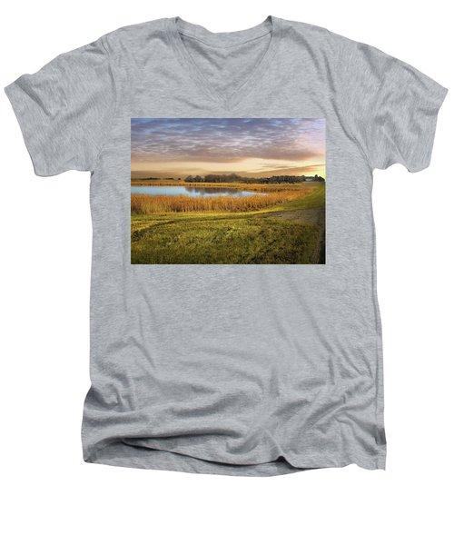 Farmland Pond Men's V-Neck T-Shirt