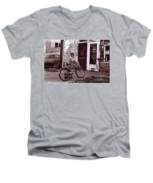 Fast Food 1963 Men's V-Neck T-Shirt