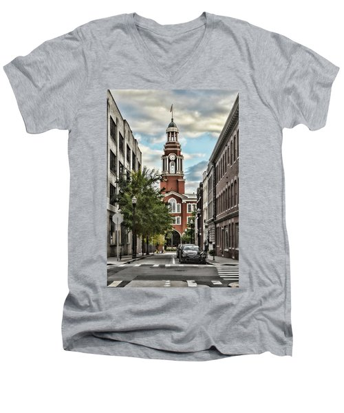 Federal Courthouse Knoxville Men's V-Neck T-Shirt