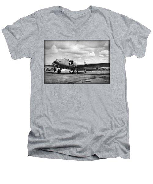 Federmann Men's V-Neck T-Shirt