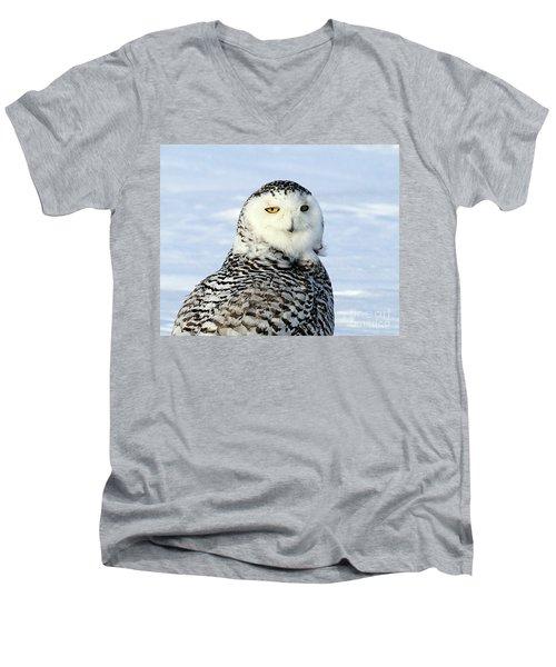 Female Snowy Owl Men's V-Neck T-Shirt