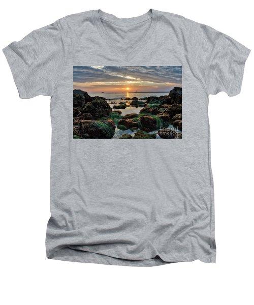 First Sunset Of 2018 Men's V-Neck T-Shirt