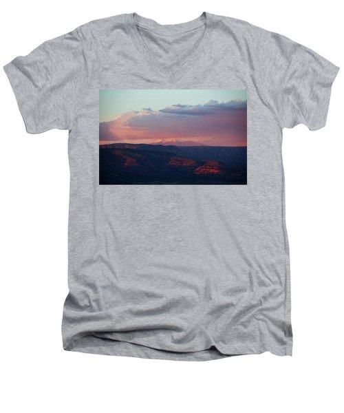 Flagstaff's San Francisco Peaks Snowy Sunset Men's V-Neck T-Shirt