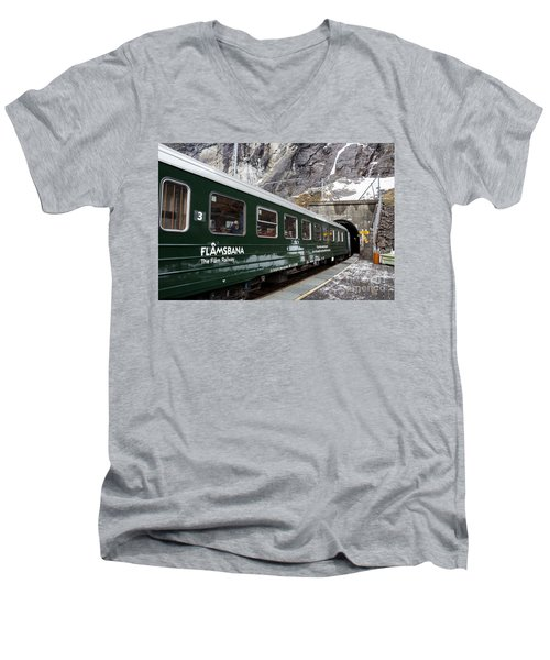Flam Railway Men's V-Neck T-Shirt