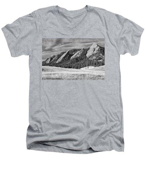 Flatiron Morning Light Boulder Colorado Bw Men's V-Neck T-Shirt