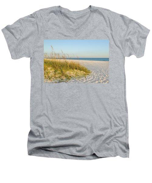 Destin, Florida's Gulf Coast Is Magnificent Men's V-Neck T-Shirt
