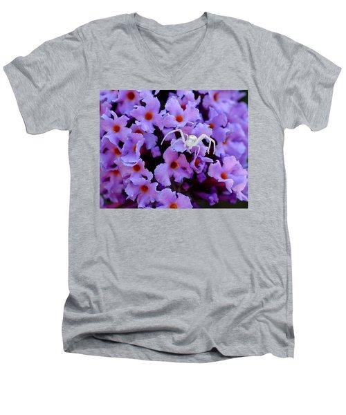 Flower Spider Men's V-Neck T-Shirt
