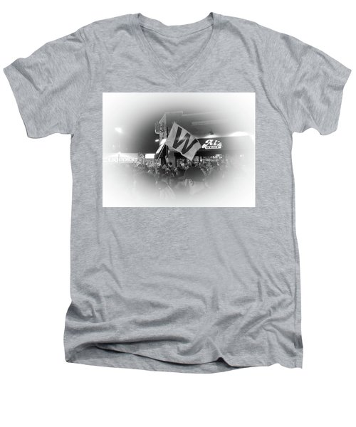 Fly The W Men's V-Neck T-Shirt