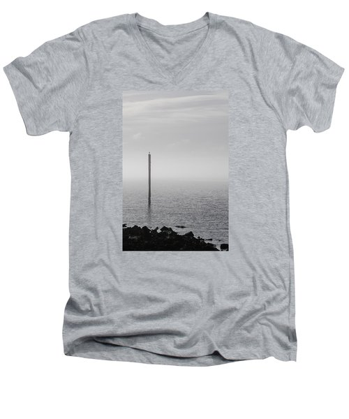 Fog On The Cape Fear River On Christmas Day 2015 Men's V-Neck T-Shirt