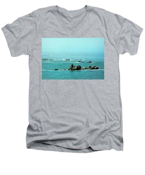 Sunny Blue Pacific Ocean Along The Oregon Coast Men's V-Neck T-Shirt
