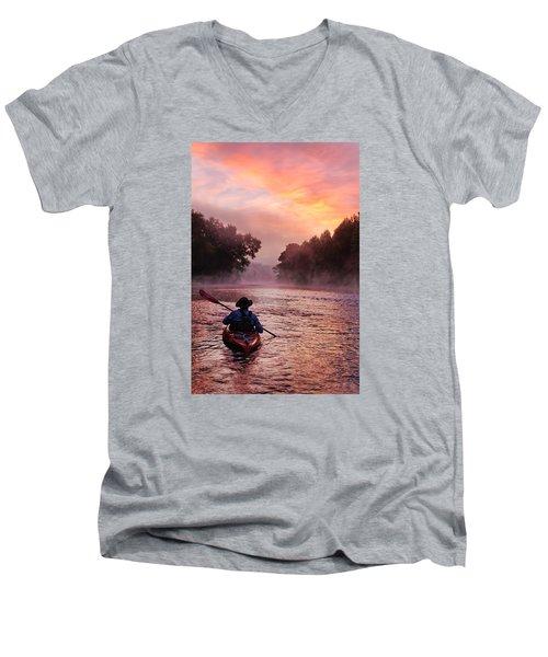 Following The Light Men's V-Neck T-Shirt