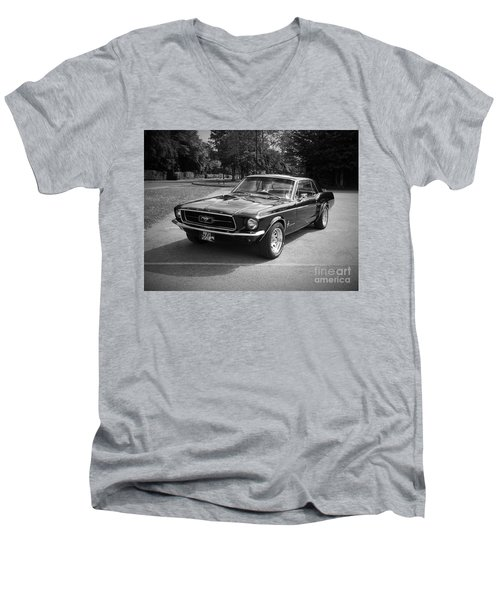 Ford Mustang Men's V-Neck T-Shirt