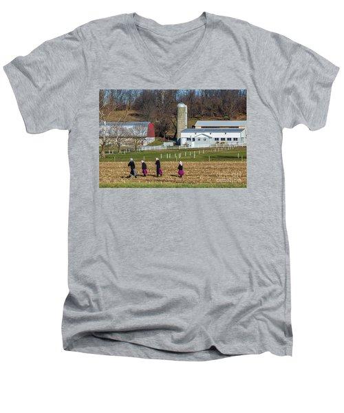 Four Amish Women In Field Men's V-Neck T-Shirt