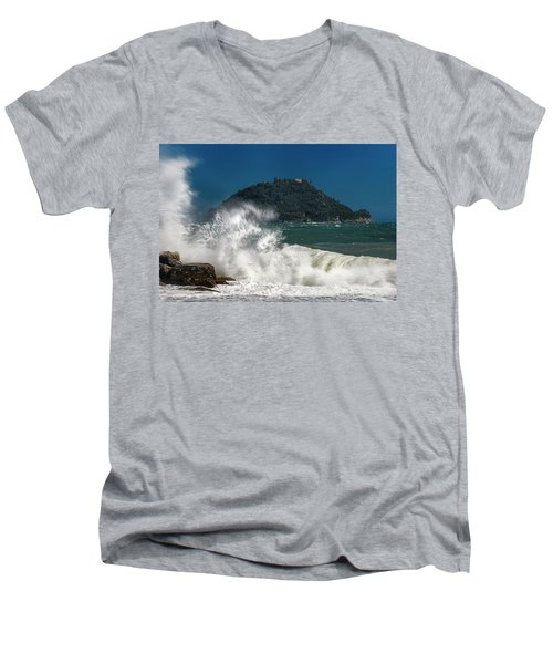 Gallinara Island Seastorm - Mareggiata All'isola Gallinara Men's V-Neck T-Shirt