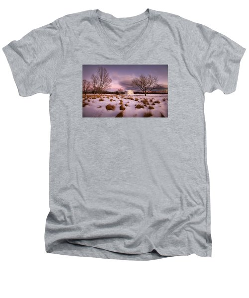 Garden Barn Men's V-Neck T-Shirt
