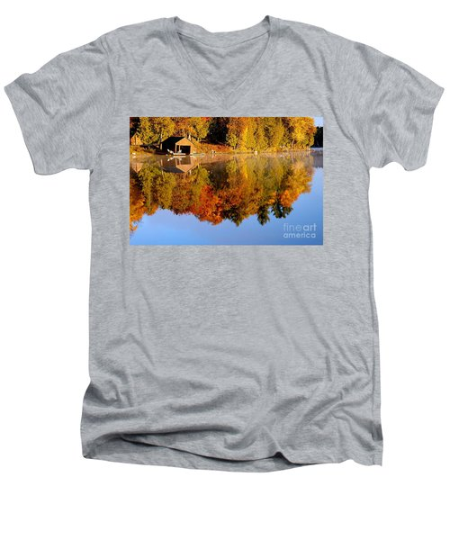 Gatineau Park Taylor Lake Men's V-Neck T-Shirt