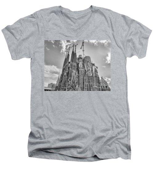 Gaudi La Sagrada Blk Wht Men's V-Neck T-Shirt