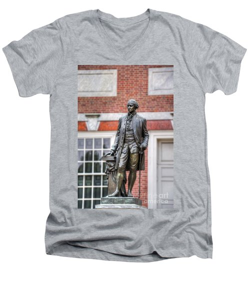 George Washington Statue Men's V-Neck T-Shirt